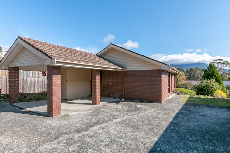 Unit 1- 23 Weemala Court, Mount Nelson TAS 7007