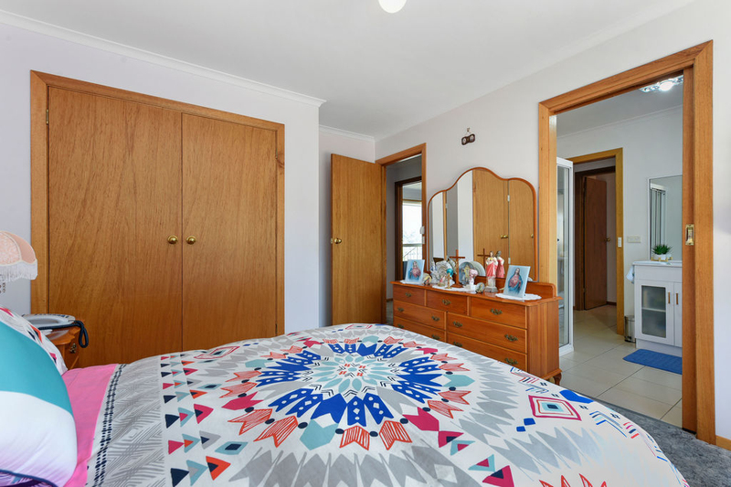 Photo - Unit 2, 5 Chatterton Court, Claremont TAS 7011  - Image 9