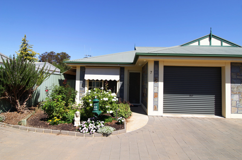Unit 7 Anzac Crescent Retirement Village Loxton SA 5333