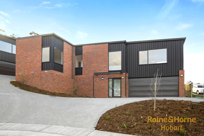 Units 1 & 2, 5 Denning Close, New Town TAS 7008